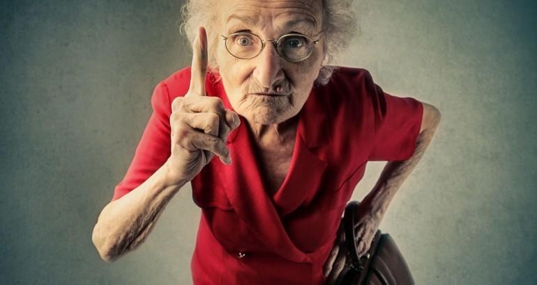Relire sa vie: la vieille dame grincheuse